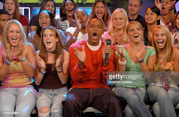 Will Smith and audience during Will Smith and Nina Sky Visit MTV's 'TRL' July 14th 2004 at MTV Studios in New York City NY United States