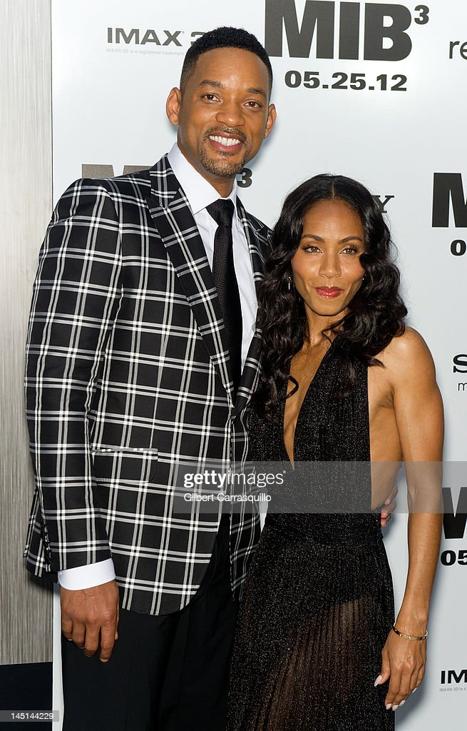 <a gi-track='captionPersonalityLinkClicked' href=/galleries/search?phrase=Will+Smith+-+Actor+-+Born+1968&family=editorial&specificpeople=156403 ng-click='$event.stopPropagation()'>Will Smith</a> and <a gi-track='captionPersonalityLinkClicked' href=/galleries/search?phrase=Jada+Pinkett+Smith&family=editorial&specificpeople=201837 ng-click='$event.stopPropagation()'>Jada Pinkett Smith</a> attend the 'Men In Black 3' New York premiere at the Ziegfeld Theatre on May 23, 2012 in New York City.
