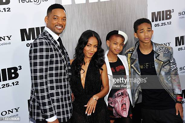 Will Smith Jada Pinkett Smith Willow Smith and Jaden Smith attend the 'Men In Black 3' New York Premiere at Ziegfeld Theatre on May 23 2012 in New...