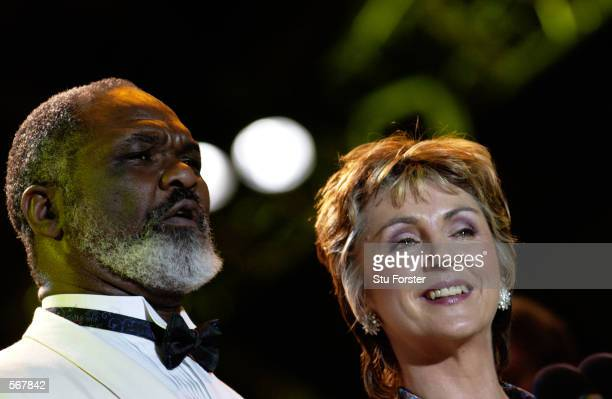 WillardWWhite and Lesley Garrett perform during the AXA sponsored FA Cup Classic Concert held at Cardiff Arms Park in Cardiff Wales on May 3 2002...