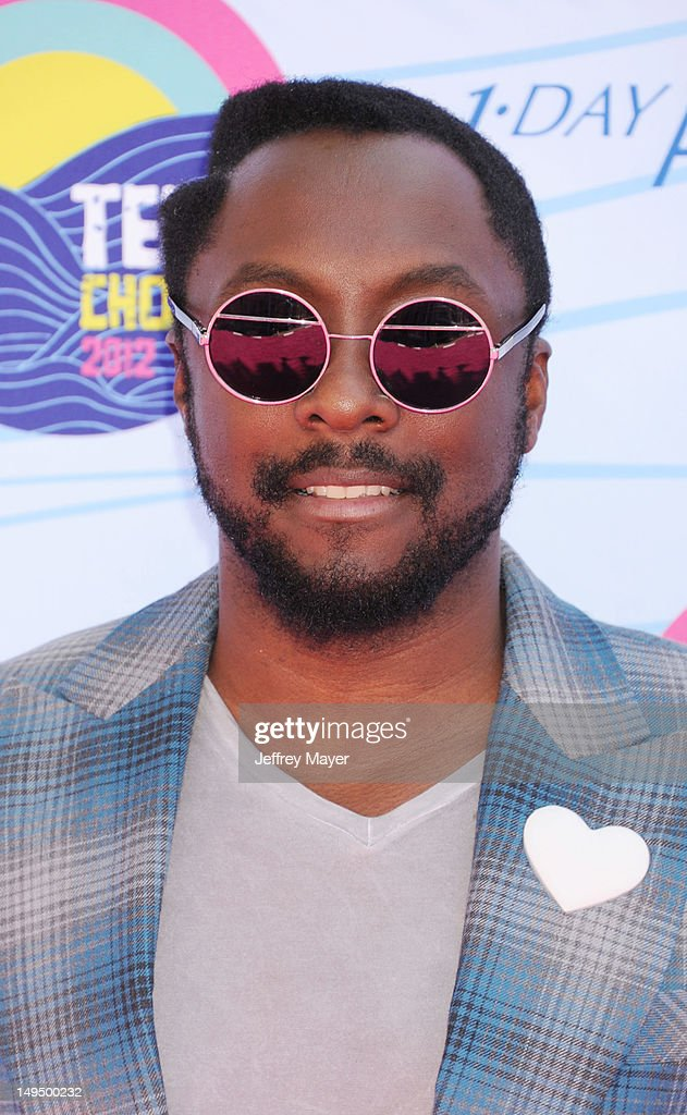 will.i.am arrives at the 2012 Teen Choice Awards at Gibson Amphitheatre on July 22, 2012 in Universal City, California.