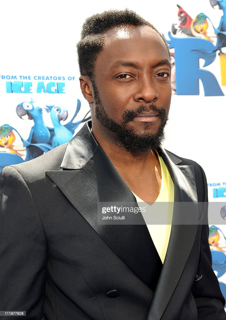 will.i.am arrives for the premiere of Twentieth Century Fox & Blue Sky Studios' 'RIO' on April 10, 2011 in Hollywood, California.