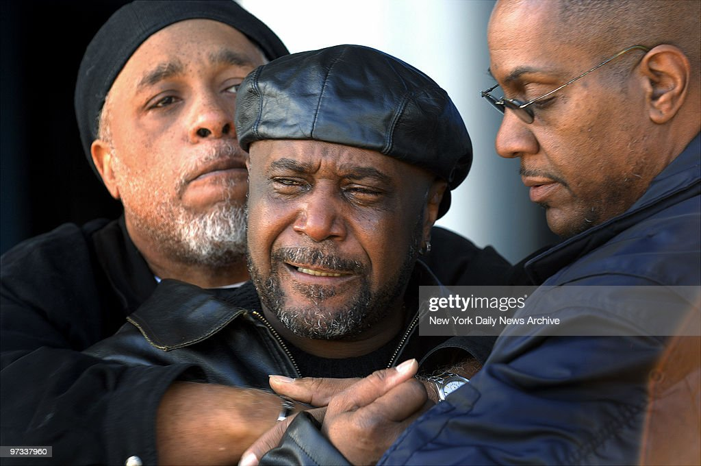 William Bell weeps at Jamaica Hospital after undercover cops allegedly shot and killed his son Sean Bell and wounded two friends riding with him in...