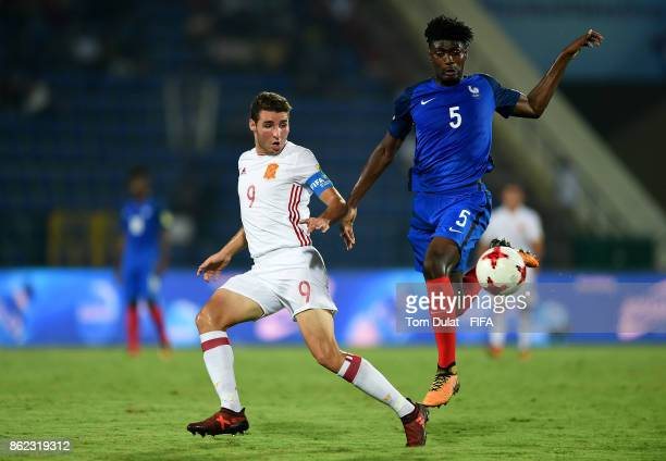 William Bianda of France and Abel Ruiz of Spain in action during the FIFA U17 World Cup India 2017 Round of 16 match between France and Spain at...