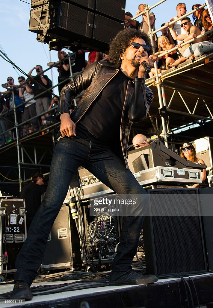 <a gi-track='captionPersonalityLinkClicked' href=/galleries/search?phrase=William+DuVall&family=editorial&specificpeople=573973 ng-click='$event.stopPropagation()'>William DuVall</a> of Alice in Chains performs during 2013 Rock On The Range at Columbus Crew Stadium on May 19, 2013 in Columbus, Ohio.