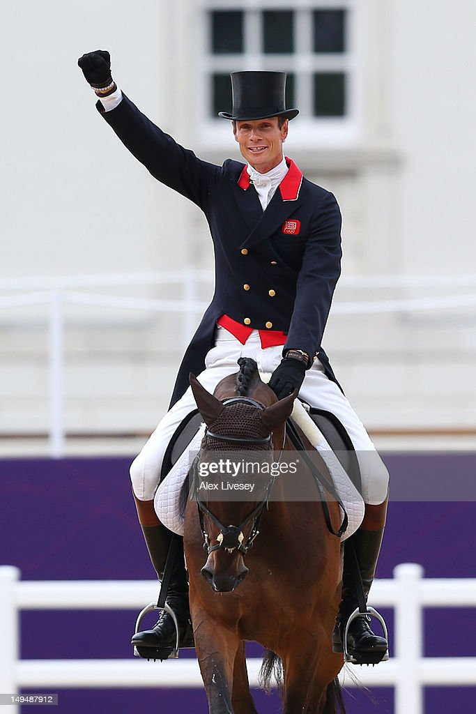 <a gi-track='captionPersonalityLinkClicked' href=/galleries/search?phrase=William+Fox-Pitt&family=editorial&specificpeople=647065 ng-click='$event.stopPropagation()'>William Fox-Pitt</a> of Great Britain riding Lionheart competes in the Dressage Equestrian event on Day 2 of the London 2012 Olympic Games at Greenwich Park on July 29, 2012 in London, England.