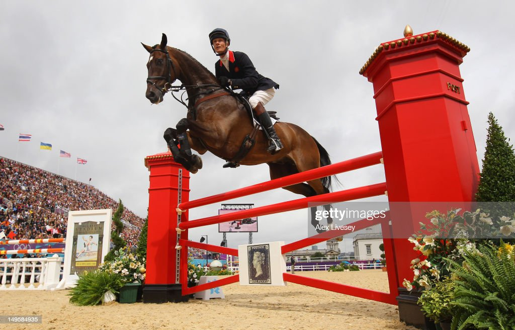 <a gi-track='captionPersonalityLinkClicked' href=/galleries/search?phrase=William+Fox-Pitt&family=editorial&specificpeople=647065 ng-click='$event.stopPropagation()'>William Fox-Pitt</a> of Great Britain riding Lionheart in action in the Show Jumping Eventing Qualifying Equestrian event on Day 4 of the London 2012 Olympic Games at Greenwich Park on July 31, 2012 in London, England.