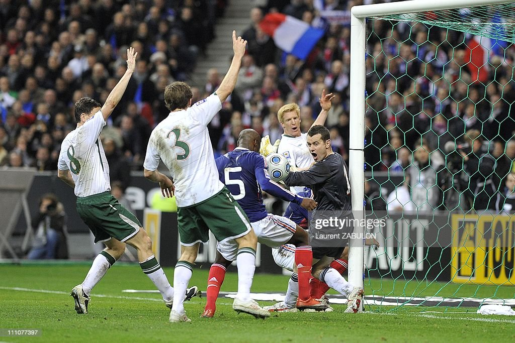 France wins the World Cup 2010 qualifying football match against Ireland  in Paris, France on November 18th , 2009. : News Photo