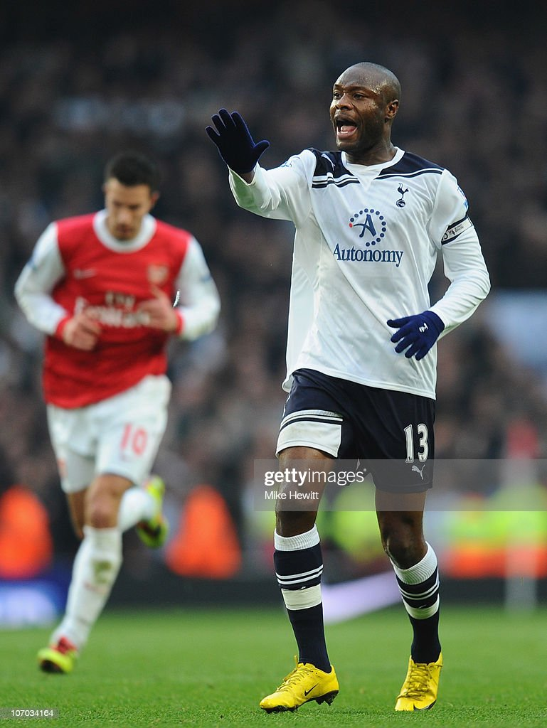William Gallas of Tottenham shouts instructions during the Barclays Premier League match between Arsenal and Tottenham Hotspur at the Emirates Stadium on November 20, 2010 in London, England.