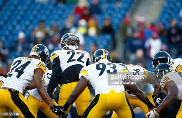 William Gay of the Pittsburgh Steelers goes through a pregame ritual with his teammates prior to the game against the New England Patriots at...