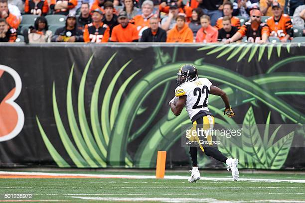 William Gay of the Pittsburgh Steelers returns an interception for a touchdown during the third quarter of the game against the Cincinnati Bengals at...