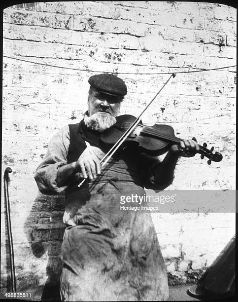 William Hathaway Lower Swell Gloucestershire 19071909 Photograph taken during Cecil Sharp's folk music collecting expeditions British musician Sharp...