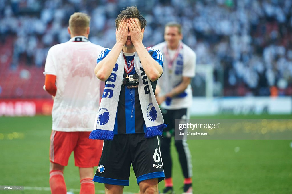 William Kvist of FC Copenhagen celebrate after the DBU Pokalen Cup Final match between AGF Arhus and FC Copenhagen at Telia Parken Stadium on May 05, 2016 in Copenhagen, Denmark.