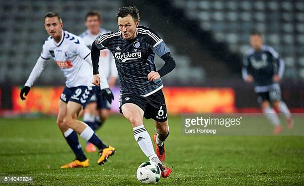 William Kvist of FC Copenhagen controls the ball during the Danish Alka Superliga match between AGF Aarhus and FC Copenhagen at Ceres Park on March 6...