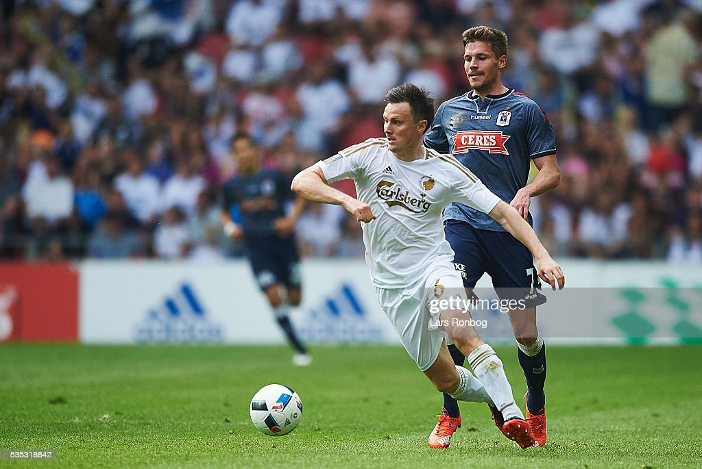 William Kvist of FC Copenhagen controls the ball during the Danish Alka Superliga match between FC Copenhagen and AGF Aarhus at Telia Parken Stadium on May 29, 2016 in Copenhagen, Denmark.