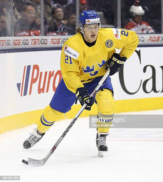 William Nylander of Team Sweden skates with the puck against Team Slovakia during the bronze medal game in the 2015 IIHF World Junior Hockey...