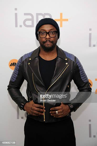 william poses with his iam PULS to pump up holiday shoppers during black Friday at Bloomingdale's on November 28 2014 in New York City