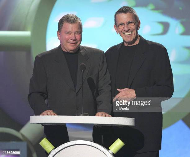 William Shatner and Leonard Nimoy present the Viewer's Choice Award King of Zing / Queen of Quip