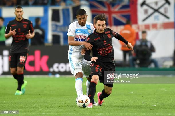 William Vainqueur of Marseille and Anastasios Donis of Nice during the Ligue 1 match between Olympique de Marseille and OGC Nice at Stade Velodrome...