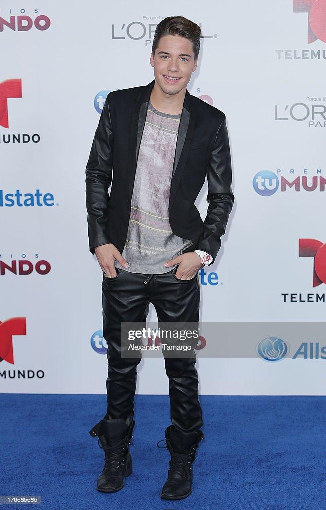 William Valdes attends Telemundo's Premios Tu Mundo Awards at American Airlines Arena on August 15, 2013 in Miami, Florida.