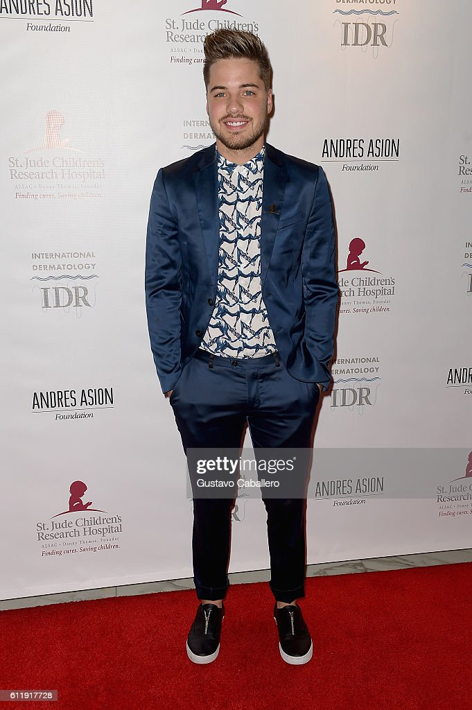 William Valdes attends the 9th Annual International Dermatology 'It's All About the Kids' Benefit at JW Marriott Marquis on October 1, 2016 in Miami, Florida.