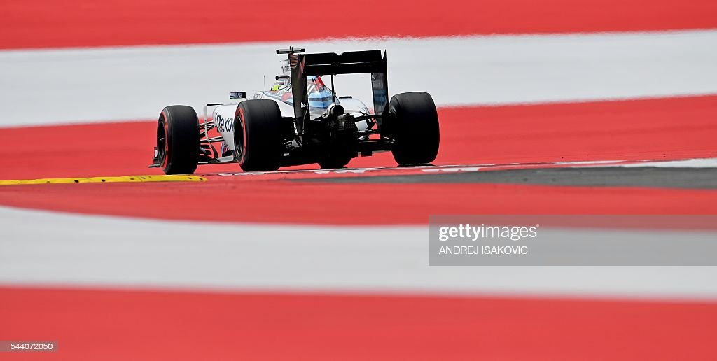 Williams Martini Racing's Brazilian driver Felipe Massa drives during the first practice session of the Formula One Grand Prix of Austria at the Red Bull Ring in Spielberg, Austria on July 1, 2016. / AFP / ANDREJ