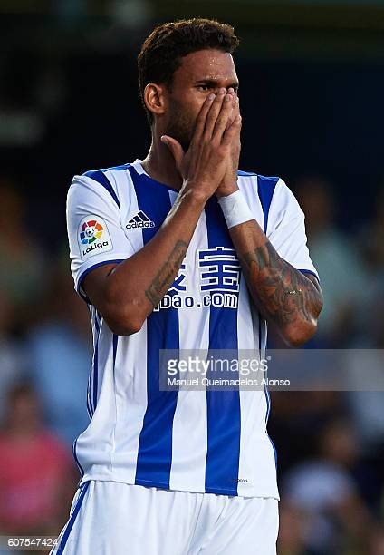 Willian Jose of Real Sociedad reacts as he fails to score during the La Liga match between Villarreal CF and Real Sociedad at El Madrigal on...