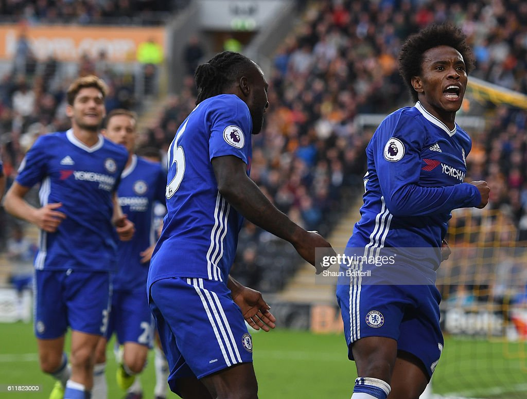 Willian of Chelsea celebrates scoring his sides first goal during the Premier League match between Hull City and Chelsea at KC Stadium on October 1, 2016 in Hull, England.