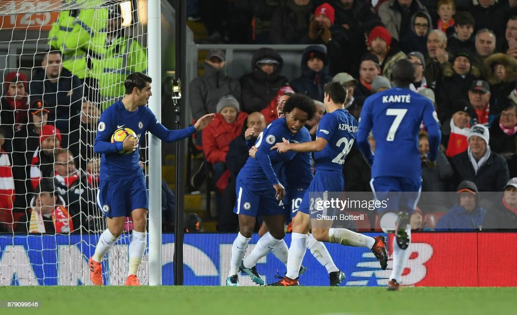 http://media.gettyimages.com/photos/willian-of-chelsea-celebrates-scoring-his-sides-first-goal-with-his-picture-id879099546?k=6&m=879099546&s=594x594&w=0&h=eyzvfSxnkqjcmP9RjIVD6umJHHg20yM5mjfgZhpzGXY=