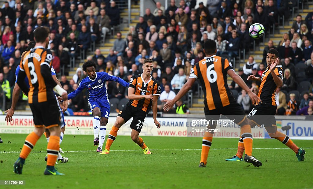 Willian of Chelsea scores his sides first goal during the Premier League match between Hull City and Chelsea at KCOM Stadium on October 1, 2016 in Hull, England.