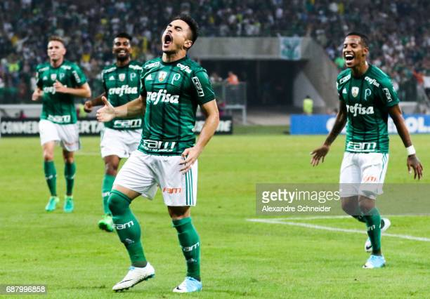 Willian of Palmeiras of Brazil celebrates after scoring their second goal during the match between Palmeiras and Atletico Tucuman for the Copa...