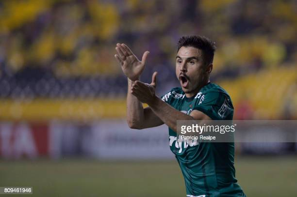 Willian of Palmeirs reacts during a first leg match between Barcelona SC and Palmeiras as part of round of 16 of Copa CONMEBOL Libertadores...