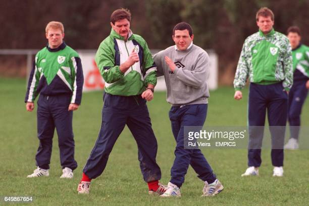Willie Anderson and Nick Popplewell muck about during training