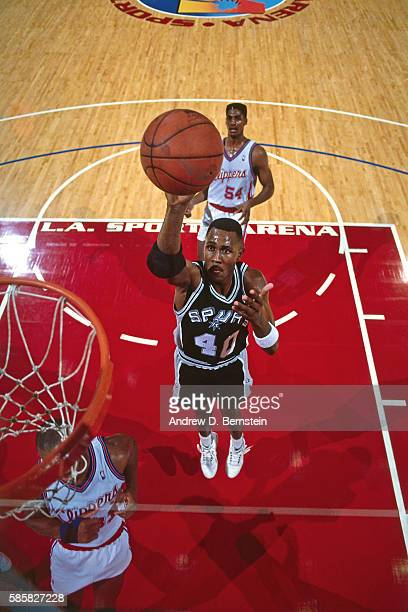 Willie Anderson of the San Antonio Spurs shoots the ball during a game against the Los Angeles Clippers at the Los Angeles Sports Arena in Los...