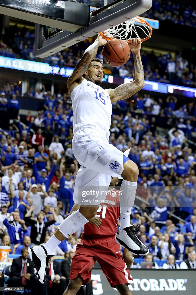 <a gi-track='captionPersonalityLinkClicked' href=/galleries/search?phrase=Willie+Cauley-Stein&family=editorial&specificpeople=9854040 ng-click='$event.stopPropagation()'>Willie Cauley-Stein</a> #15 of the Kentucky Wildcats dunks against the Arkansas Razorbacks in the first half during the championship game of the SEC basketball tournament at Bridgestone Arena on March 15, 2015 in Nashville, Tennessee.