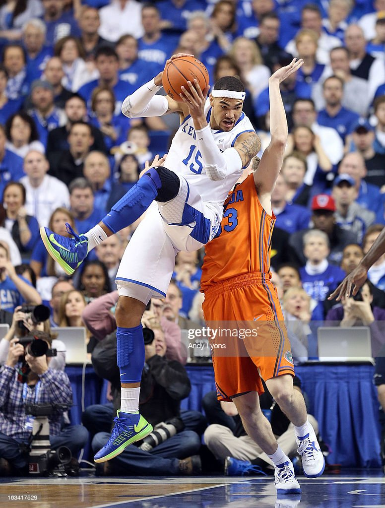 Willie Cauley-Stein #15 of the Kentucky Wildcats grabs a pass during the game against the Florida Gators at Rupp Arena on March 9, 2013 in Lexington, Kentucky.