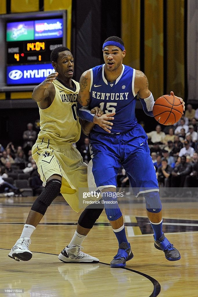 Willie Cauley-Stein #15 of the Kentucky Wildcats plays against Rod Odom #0 of the Vanderbilt Commodores at Memorial Gym on January 10, 2013 in Nashville, Tennessee.