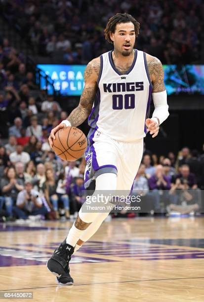 Willie CauleyStein of the Sacramento Kings dribbles the ball against the Orlando Magic during an NBA basketball game at Golden 1 Center on March 13...
