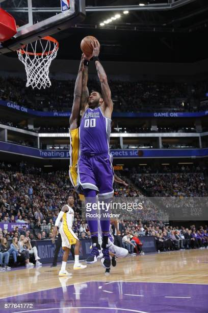 Willie CauleyStein of the Sacramento Kings dunks the ball during the game against the Los Angeles Lakers on November 22 2017 at Golden 1 Center in...
