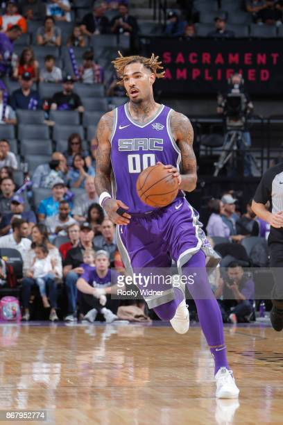 Willie CauleyStein of the Sacramento Kings handles the ball against the Washington Wizards on October 29 2017 at Golden 1 Center in Sacramento...