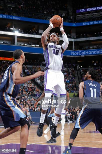 Willie CauleyStein of the Sacramento Kings shoots the ball during a game against the Memphis Grizzlies on March 27 2017 at Golden 1 Center in...