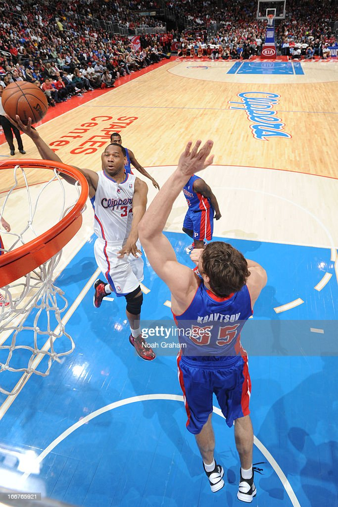 <a gi-track='captionPersonalityLinkClicked' href=/galleries/search?phrase=Willie+Green&family=editorial&specificpeople=201653 ng-click='$event.stopPropagation()'>Willie Green</a> #34 of the Los Angeles Clippers glides to the hoop against the Detroit Pistons at Staples Center on March 10, 2013 in Los Angeles, California.