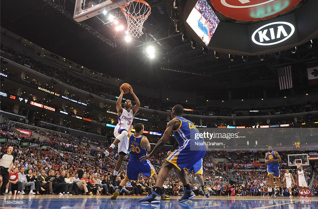 Willie Green #34 of the Los Angeles Clippers goes to the basket during the game between the Los Angeles Clippers and the Golden State Warriors at Staples Center on November 3, 2012 in Los Angeles, California.