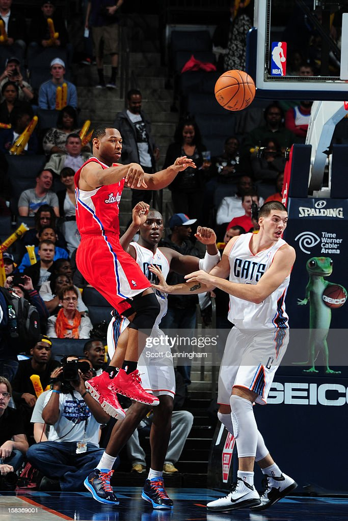 <a gi-track='captionPersonalityLinkClicked' href=/galleries/search?phrase=Willie+Green&family=editorial&specificpeople=201653 ng-click='$event.stopPropagation()'>Willie Green</a> #34 of the Los Angeles Clippers makes a pass against the Charlotte Bobcats on December 12, 2012 at Time Warner Cable Arena in Charlotte, North Carolina.