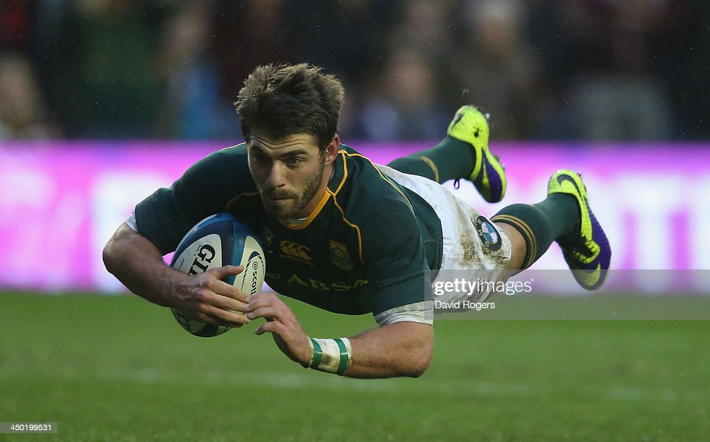 <a gi-track='captionPersonalityLinkClicked' href=/galleries/search?phrase=Willie+Le+Roux&family=editorial&specificpeople=9029846 ng-click='$event.stopPropagation()'>Willie Le Roux</a> of South Africa dives over for a try during the International match between Scotland and South Africa at Murrayfield Stadium on November 17, 2013 in Edinburgh, Scotland.