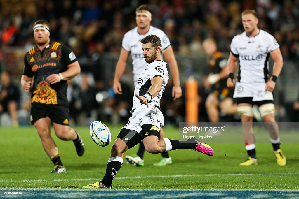 <a gi-track='captionPersonalityLinkClicked' href=/galleries/search?phrase=Willie+Le+Roux&family=editorial&specificpeople=9029846 ng-click='$event.stopPropagation()'>Willie Le Roux</a> of the Sharks kicks during the round 10 Super Rugby match between the Chiefs and the Sharks at Yarrow Stadium on April 29, 2016 in New Plymouth, New Zealand.
