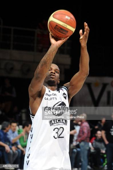 Willie Warren of Granarolo in action during the LagaBasket match between Granarolo Bologna and Grissin Bon Reggio Emilia at Unipol Arena on March 16...