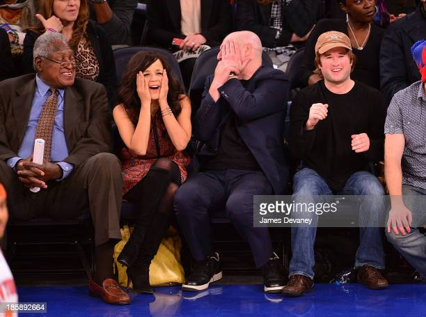 Willis Reed Rosie Perez Eric Hayes and Hayley Joel Osment attend the Charlotte Bobcats Vs the New York Knicks at Madison Square Garden on October 25...