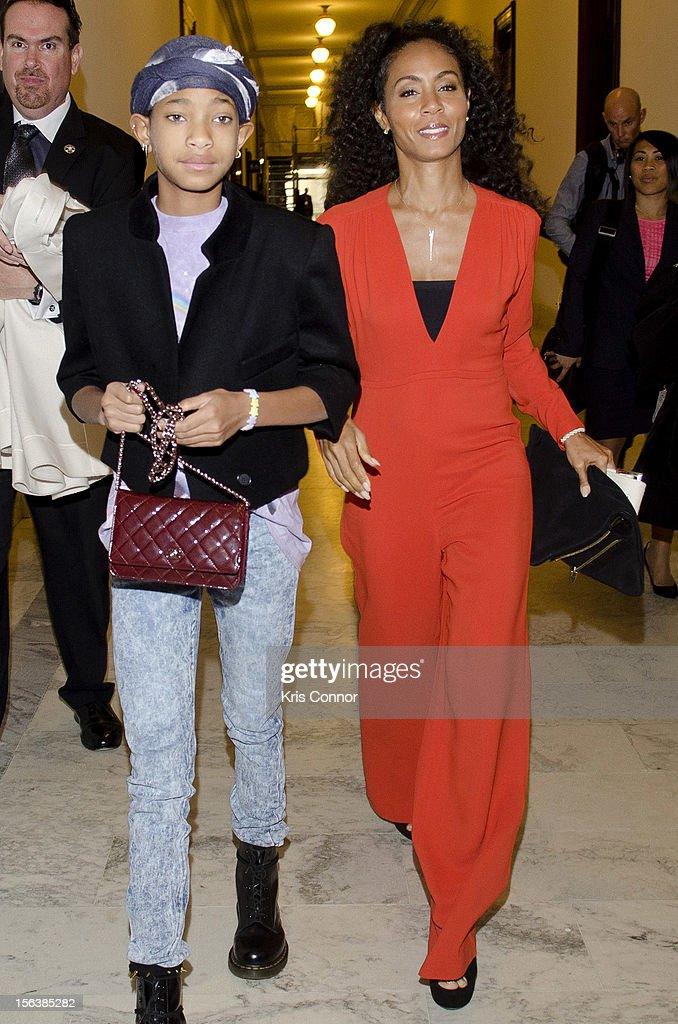 <a gi-track='captionPersonalityLinkClicked' href=/galleries/search?phrase=Willow+Smith&family=editorial&specificpeople=869488 ng-click='$event.stopPropagation()'>Willow Smith</a> (L) and <a gi-track='captionPersonalityLinkClicked' href=/galleries/search?phrase=Jada+Pinkett+Smith&family=editorial&specificpeople=201837 ng-click='$event.stopPropagation()'>Jada Pinkett Smith</a> walk to the launch of the Senate Caucus to End Human Trafficking at the Russell Senate Office Building on November 14, 2012 in Washington, DC.