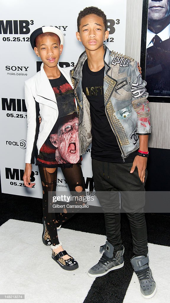 <a gi-track='captionPersonalityLinkClicked' href=/galleries/search?phrase=Willow+Smith&family=editorial&specificpeople=869488 ng-click='$event.stopPropagation()'>Willow Smith</a> and <a gi-track='captionPersonalityLinkClicked' href=/galleries/search?phrase=Jaden+Smith&family=editorial&specificpeople=709174 ng-click='$event.stopPropagation()'>Jaden Smith</a> attends the 'Men In Black 3' New York premiere at the Ziegfeld Theatre on May 23, 2012 in New York City.